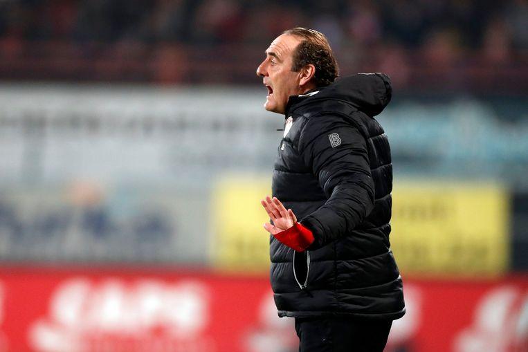 KV Kortrijktrainer Yves Vanderhaeghe.