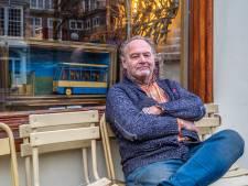 Meest gestolen kunstenaar van Delft lanceert de Artafette: 'Kunstenaars kunnen het verschil maken'
