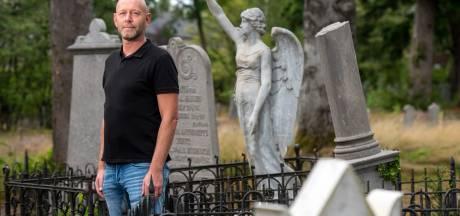 Op oude begraafplaats in Dieren liggen beroemdheden; Thomas Hilhorst schreef er een boek over