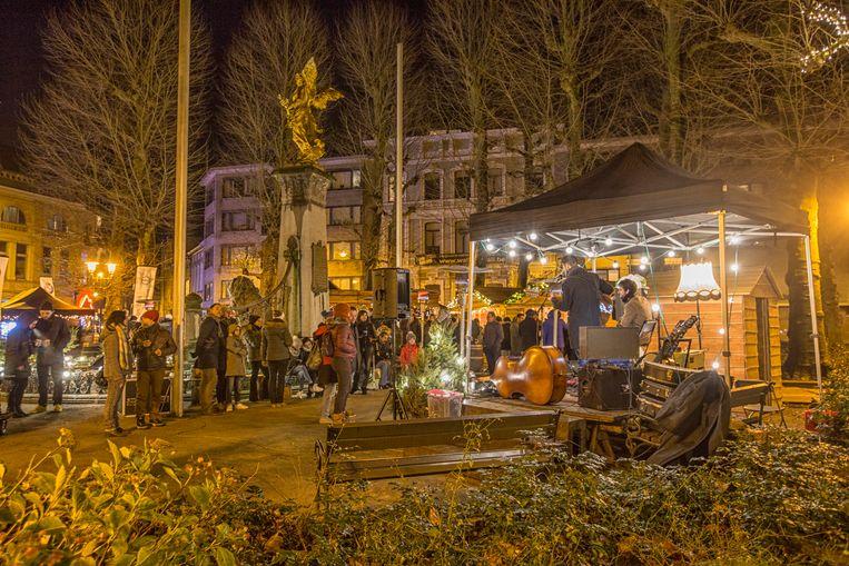 De winterbar op het Regentieplein is dit weekend wellicht aan de laatste editie toe.