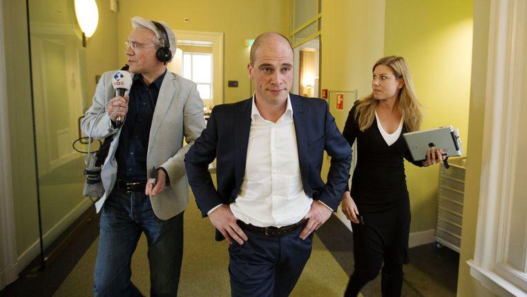 PvdA-leider Diederik Samsom afgelopen maandag op weg naar de fractievergadering. Beeld anp