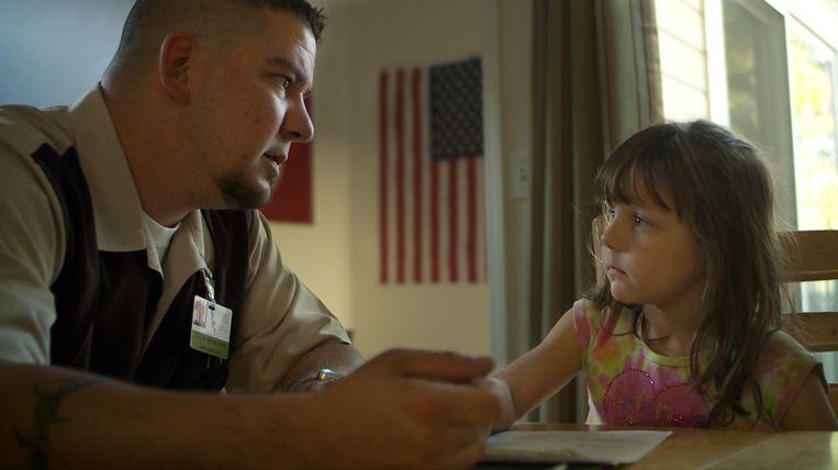 Still uit de documentaire Of Men and War. Beeld