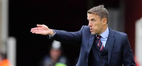 Engelse voetbalsters zoeken tot komst Wiegman interim-coach na vertrek Neville