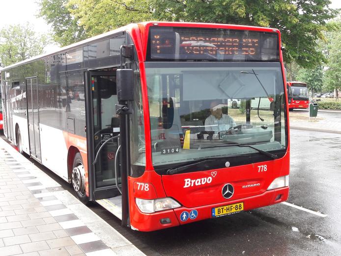 Buslijn 1 (Tilburg Noord/St Elisabeth Ziekenhuis) rijdt straks niet meer door de Reitse Hoevenstraat.