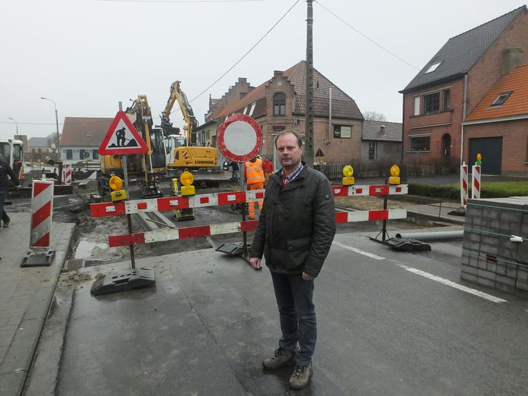 Schepen van Openbare Werken Bart Van Thuyne maakt prioriteit van de verkeersveiligheid in de dorpskern.
