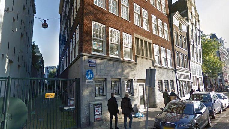 Gemeentepand, een voormalige kledingfabriek uit 1930, aan de Geldersekade. Beeld Google Streetview