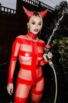 Rita Ora organise une petite fête pour ses 30 ans et écope d'une amende de 11.200 euros