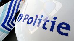 Leuvense politie treft slapende, stomdronken man aan in bestelwagen in gracht