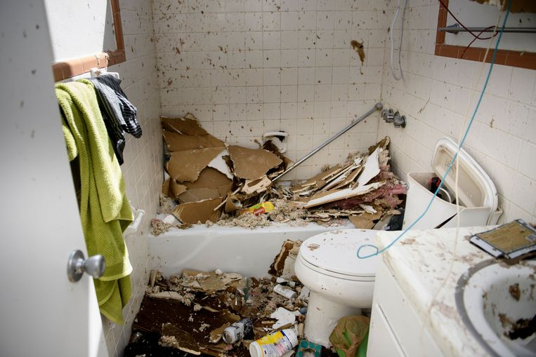Een verwoeste badkamer in Panama City.