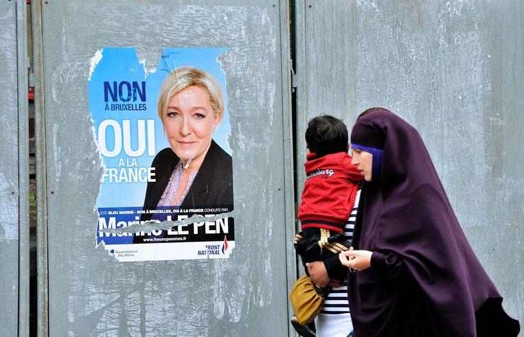 Een verkiezingsposter voor Marine Le Pen van het FN in 2014.