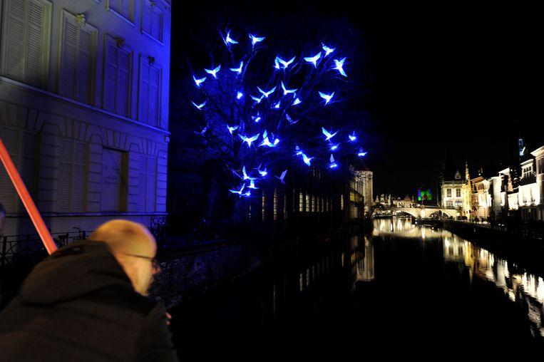 Het kunstwerk zoals het er zou moeten uitzien, zoals hier tijdens het Lichtfestival van 2012