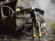 Werkbus verwoest door brand in Etten-Leur