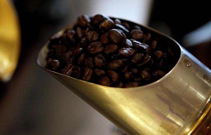 Koffiebonen zijn goedkoop door een recordoogst in Brazilië.