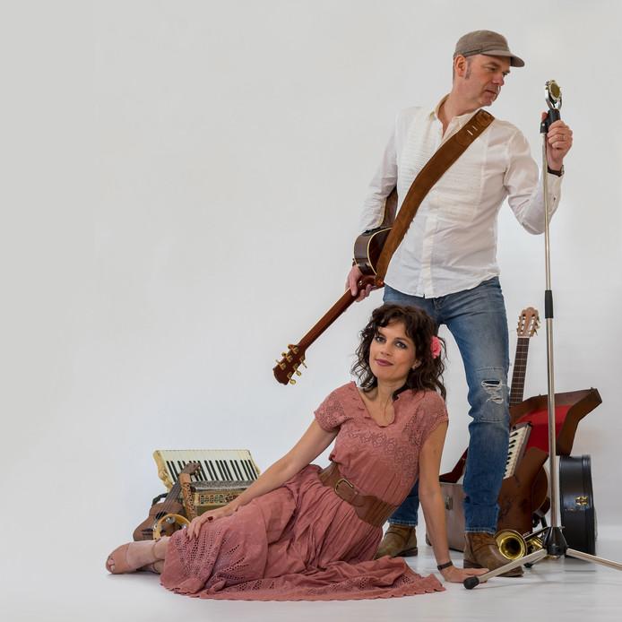 Arianne Knegt en Bart de Win (alias het duo Tip Jar) hebben op hun derde album een aantal fraaie liedjes verzameld.