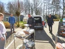 Hotel Ehzerwold uit Almen biedt bewoners van Leger des Heils een luxe lunch, 'zij moeten ook dag in dag uit op hun kamer blijven'