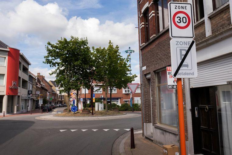 Sinds gisteren geldt er een snelheidsbeperking van 30 per uur in de binnenstad.