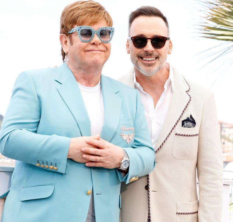 Elton met zijn echtgenoot.