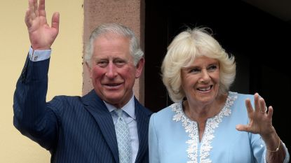 Prins Charles onder vuur om 'vlucht' naar Schotland
