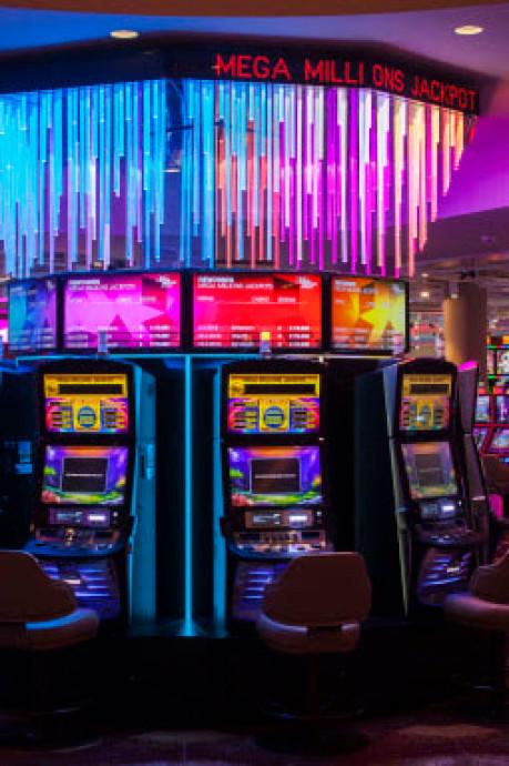 Vrienden uit Schijndel en Sint-Michielsgestel winnen 1,4 miljoen euro in casino: 'Dit is zo overweldigend'