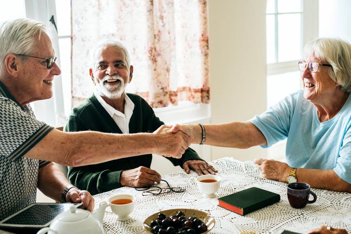 Voor het oplossen van een burenruzie is in veel gevallen geen rechter nodig. In veel gevallen helpt een goed gesprek of buurtbemideling.