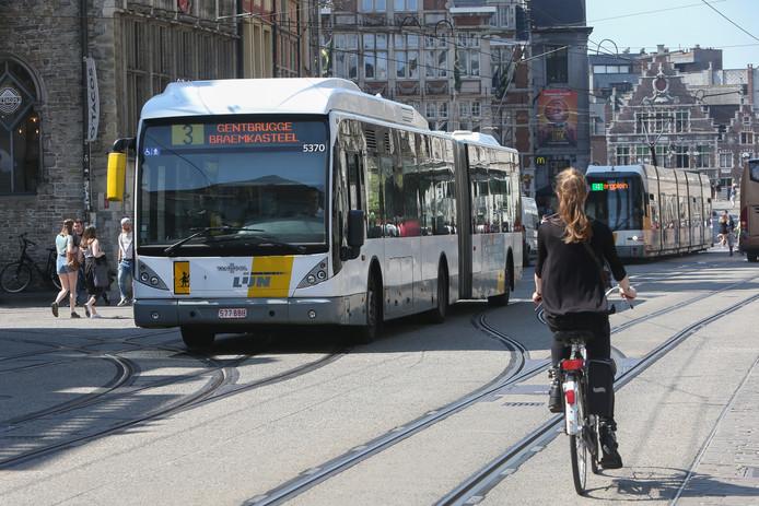 De Lijn zal moeten puzzelen om alle 'propere' bussen op lijnen voor Gent centrum te zetten.