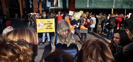 Demonstranten in Eindhoven: 'Straling 5G maakt mensen doodziek'