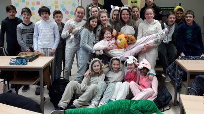 Leerlingen massaal in pyjama naar school voor Nationale Pyjamadag van Bednet