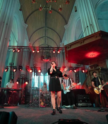 Roxeanne Hazes over Stevenskerk: 'Nog nooit op zo'n mooie locatie gezongen'
