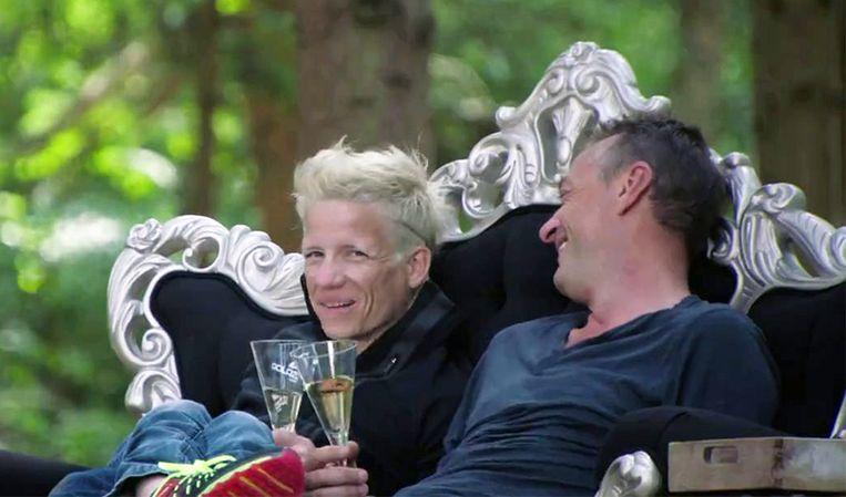 Marieke Vervoort met Tom Waes in 'Het Huis' in 2015.