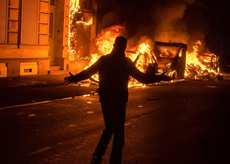 In Sint-Jans-Molenbeek 'vierden' amokmakers de overgang van oud naar nieuw vorig jaar door auto's in brand te steken.