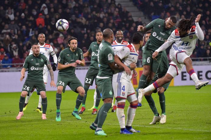 Olympique Lyon speelt zondagavond de kraker tegen rivaal AS Saint-Étienne.