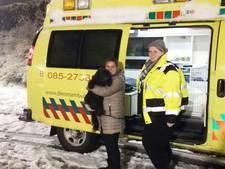 Echte dierenliefde! Brabantse dierenambulance redt verdwaald hondje uit ijskoude sneeuw
