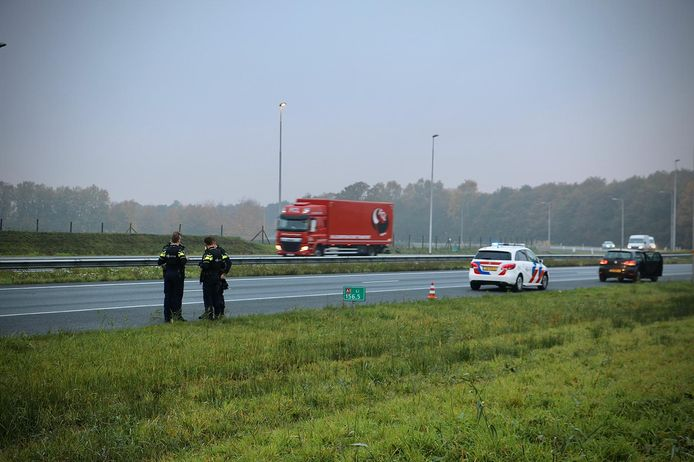 De mannen en vrouw werden aangehouden op de A1 bij Hengelo.