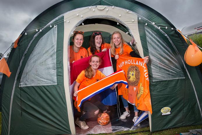 Supporters van de Nederlandse Leeuwinnen.