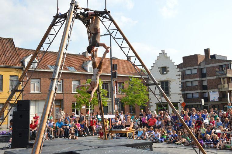 Een voorstelling op de Graanmarkt tijdens één van de vorige edities van 'De donderdagen'.