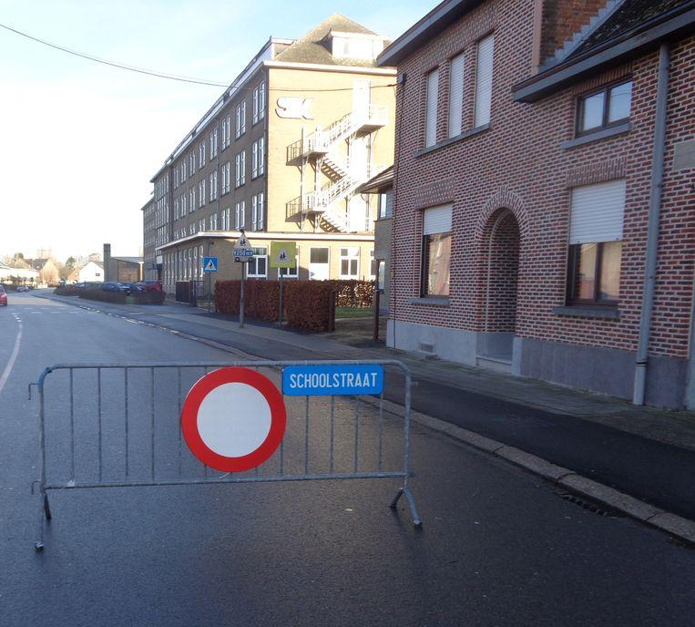 De Veldstraat is al zeker tot begin maart een schoolstraat bij de start en aan het einde van de schooldag.