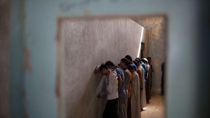 """""""Honderden kinderen gevangengenomen, beschuldigd van terrorisme voor IS"""""""