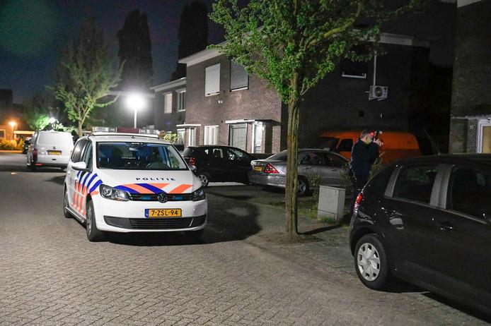 Politie aanwezig na schietpartij in huis in Best