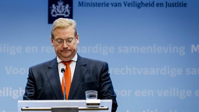Minister Van der Steur woensdag tijdens een reactie op het rapport van de commissie-Oosting.