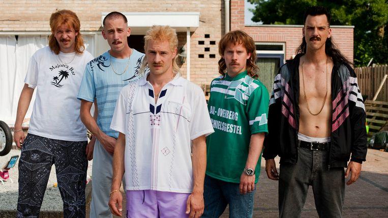 Steffen Haars, Wesley van Gaalen, Huub Smit, Tim Haars en Flip van der Kuil in New Kids Turbo. Beeld Kevin Toma