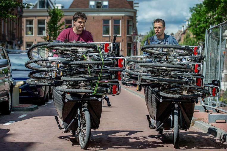 De broers Francisco (r) en Fernando Lujano Benavides. Hun bedrijf My Hotel Bike is inmiddels Nederlands grootste fietsverhuurbedrijf voor hotels. Beeld Jean-Pierre Jans