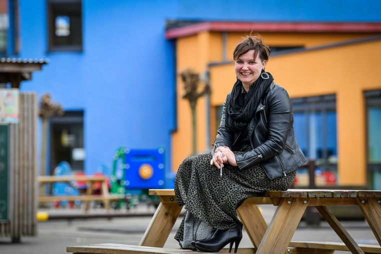 Kim De Wolf is directeur van de H.Hartschool. Ze wil een boodschap van onthaasten en rust uitsturen.