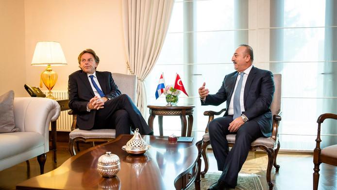 Minister Koenders en zijn ambtsgenoot Mevlut Cavusoglu