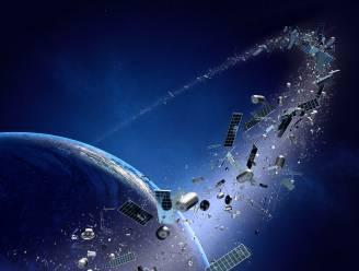 Oude satelliet en raket op het nippertje aan botsing ontsnapt