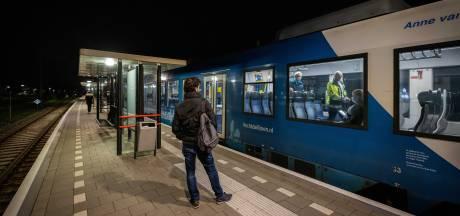Arriva stelt reisverbod in om overlastgevende asielzoekers op Vechtdallijn te weren (en wil geld voor extra personeel)