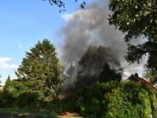 Brand verwoest schuurtje naast woning in Beerzerveld