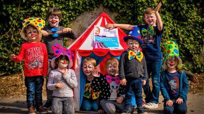 Dorpsparel viert vijfde verjaardag met straatfeest en circusvoorstelling voor het hele dorp