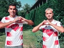 Des maillots du Standard et du Sporting de Charleroi sont mis aux enchères