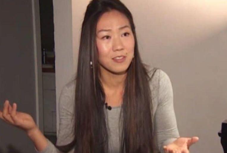Mei Rui legt haar situatie uit aan de Amerikaanse media.