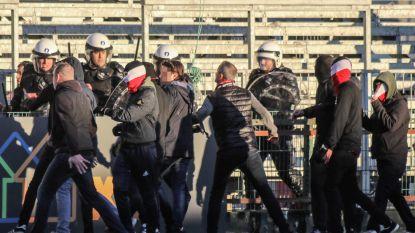 VIDEO. Wedstrijd tussen Eendracht Aalst en RWDM mondt uit in veldslag tussen supporters